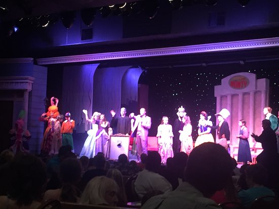 End Of Show Picture Of Dutch Apple Dinner Theatre Lancaster