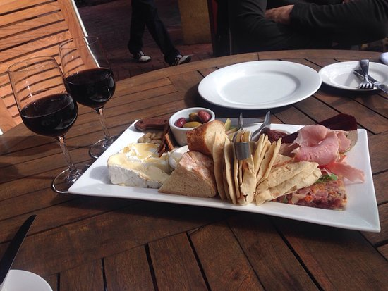 McLaren Vale, Avustralya: Delicious local produce share plate