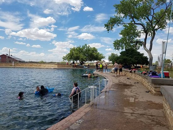 Toyahvale, TX: Main pool