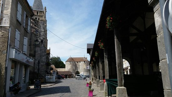 Dourdan, Francia: 20160722_141423_large.jpg