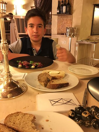 Montemerano, إيطاليا: It was fantastic dinner. The chef is par excellence, the meals and portions extraordinary prepar
