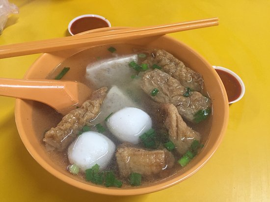 Yong Xiang Xing Yong Tau Foo: The stall exist when I'm very very young. Traditional stall... Quite nice!