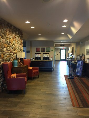 Hampton Inn Kansas City / Village West : photo0.jpg