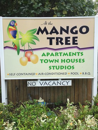 At the Mango Tree Holiday Apartments: photo1.jpg