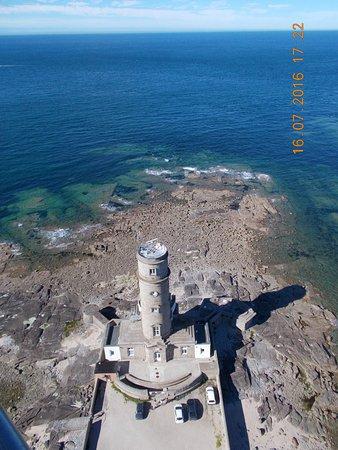 Gatteville-le-Phare, Prancis: en haut du phare, vue sur le sémaphore de Barfleur ...