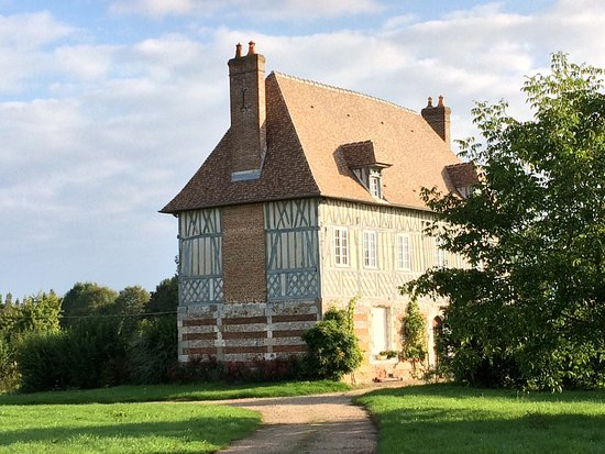 Saint-Ouen-du-Tilleul, Frankrig: Magnifique Domaine du 17ème, où vous découvrirez la passion de 3 générations. Une gamme complète