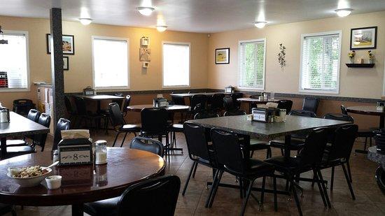 Luseland, Canada: The Golden Prairie Restaurant