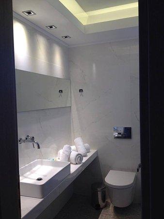 Ouranoupoli, Grécia: deluxe double room ( bathroom)