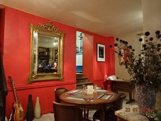 Une idée de la déco - Picture of Restaurant Bistro Des Amis, Vic-sur ...