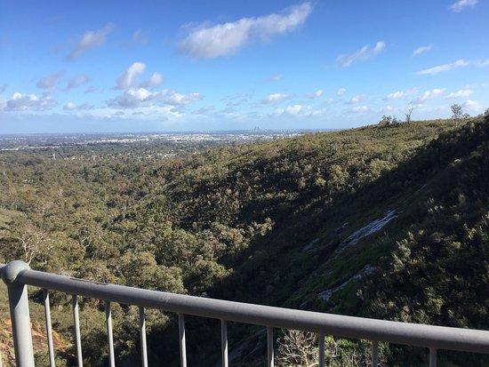 Lesmurdie, Australien: The view across to Perth