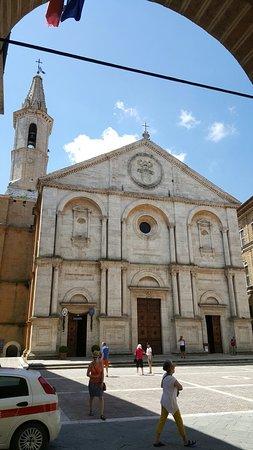 Pienza, Italia: 20160627_120151_large.jpg