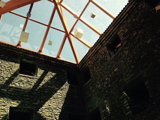 Boltana, Hiszpania: verrière des sales d'exposition