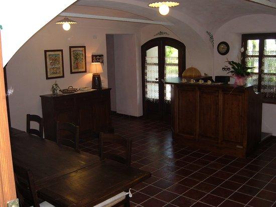 Pocapaglia, Italia: sala colazione