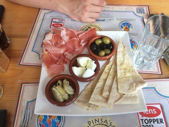 Pinsa's Restaurant: Vi var ikke så sultne så vi bestilte en lækker let tallerken
