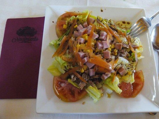 Vélez de Benaudalla, España: Menú diario exquisito y por 10€. Merece la pena comer en este lugar, ambiente agradable, comida