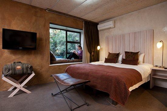 Kempton Park, Sydafrika: Bedroom 2 family room with garden view