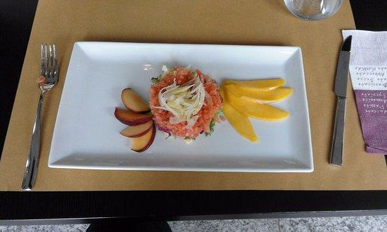 Maccagno, Italia: tartare di salmone