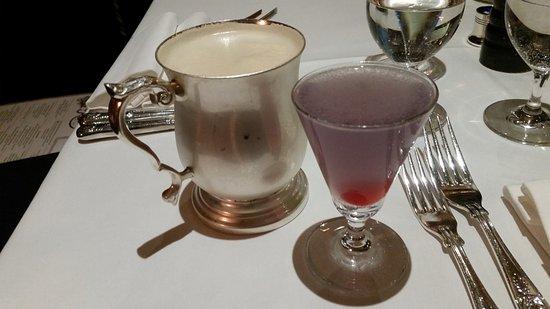 Rules Restaurant: Lovely cocktails.