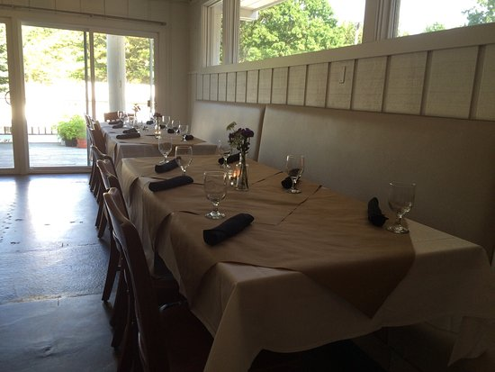 West Olive, Μίσιγκαν: Sandy Point Beach House gourmet food in a relaxed atmosphere