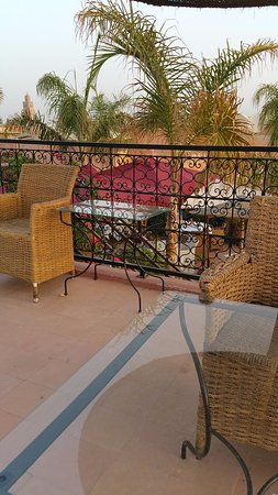 Riad Dar Anika: Rooftop terrace (breakfast room)