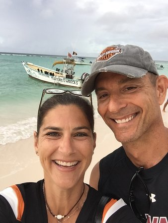 Christchurch, Barbados: Excited to see the turtles and wrecks!