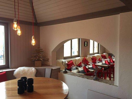 Ovronnaz, Switzerland: Stamm Tisch et Restaurant