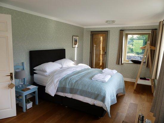Hope Valley, UK: Gritstone room