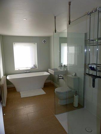 Hope Valley, UK: Nice bathroom