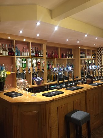 The Moseley Arms: welcoming bar
