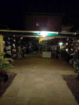 Crab Hill, Antigua: Entrance
