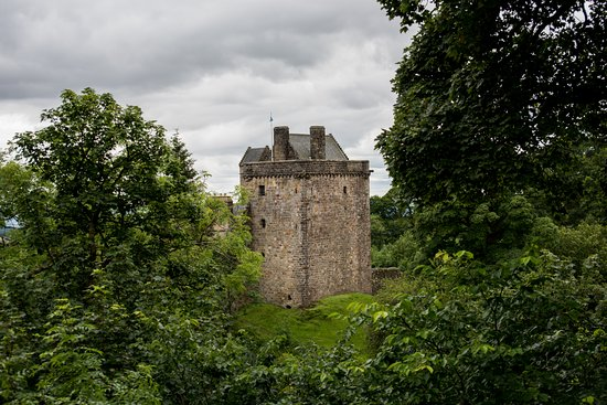 Dollar, UK: Castle Campbell