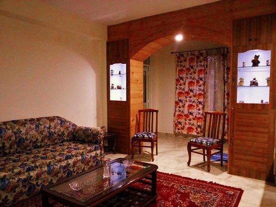 Barog Camp & Boparai Home Stay