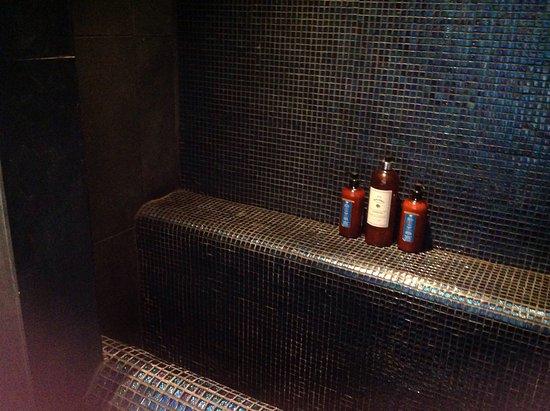 Warborough B & B: Photo of sunken bath