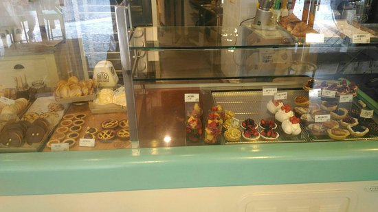 Sesto Calende, Italy: Il bancone dei dolci