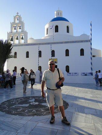 Santorini, Grækenland: Una de las tantas iglesias