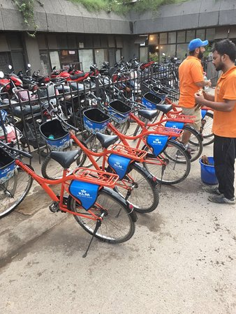 DelhiByCycle : Dutch KLM bikes, perfect in shape