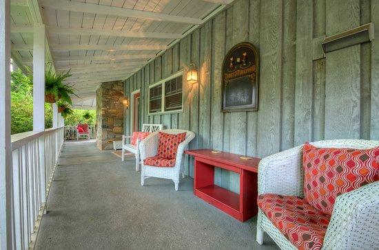 Linville Falls, Karolina Północna: Wrap-Around at Manor House