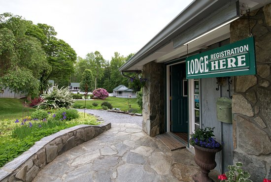 Linville Falls, NC: Lodge Grounds