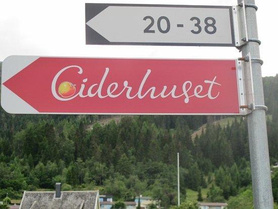 Balestrand, Norwegen: Bewegwijzering
