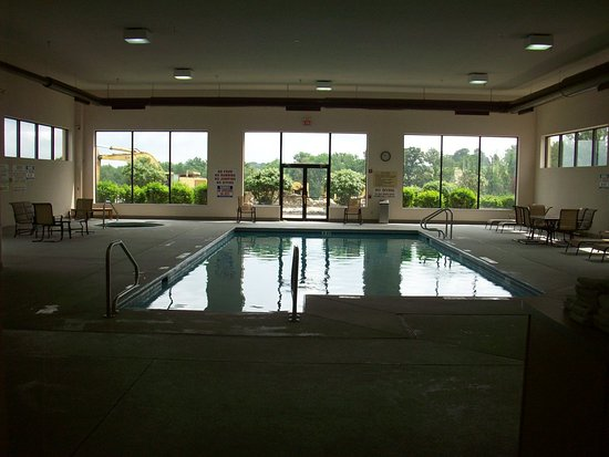 Hampton Inn Uniontown: Pool overview