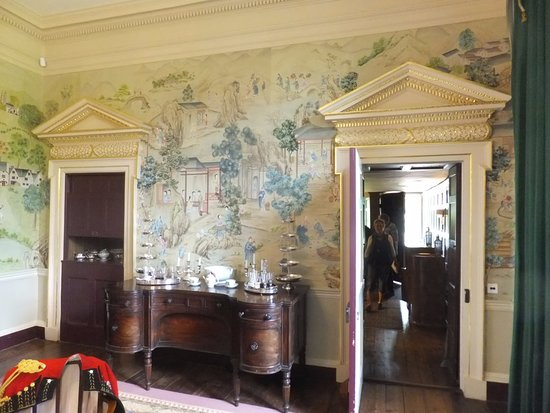 Avebury Manor: Dining Room With Chinese Wallpaper.