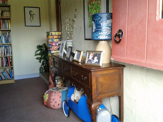 Yorkshire, UK: Smithy Cottage ...Hello Rhona