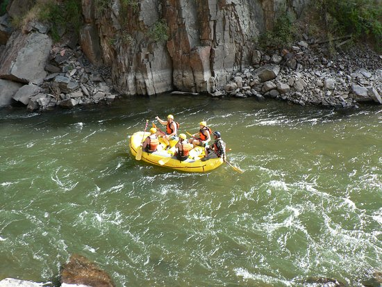 Royal Gorge Route Railroad: lots of rafters