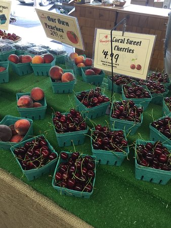 Wolfville, Canada : Nice road side Farmers Market