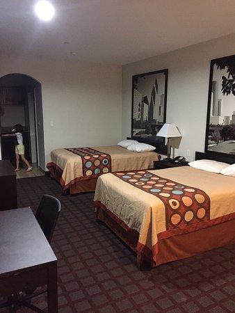 Super 8 Houston North I-45: Así lucía la habitación, me encantó, buen precio y comoda.