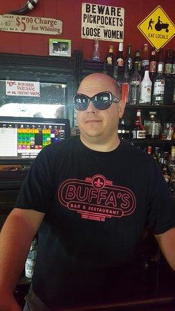 Buffa's Bar & Restaurant: Huggy
