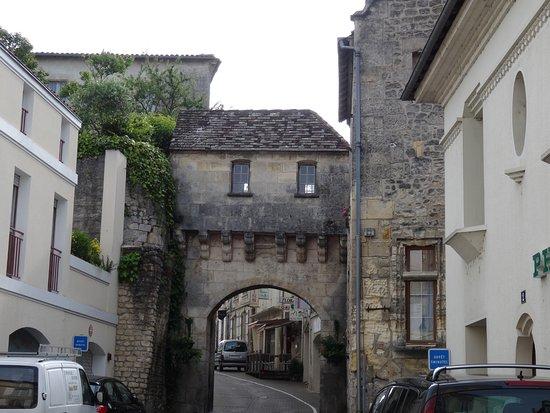 Jonzac, Γαλλία: Vestige des remparts