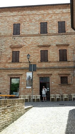 Montefiore dell'Aso, İtalya: Particolari dell'esposizione