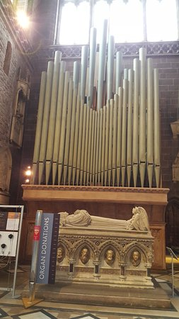 Chester Cathedral: Organo de la catedral