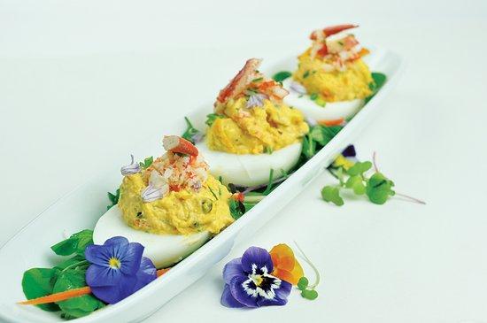 โอกบลัฟส์, แมสซาชูเซตส์: Lobster Deviled Duck Eggs